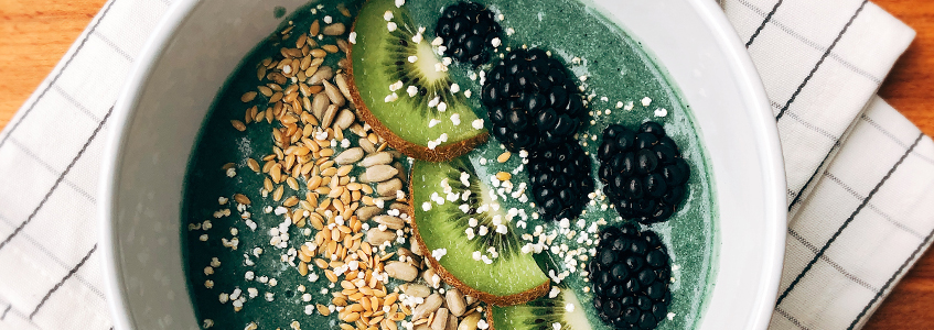 Green Smoothie Bowl (mit BEAUTY DETOX)